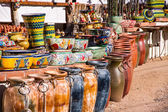 Vibrant Mexican Pottery — Stock Photo