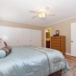 klassisch stilvolle Schlafzimmer — Stockfoto