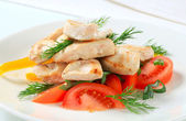 Chicken breast pieces with vegetables — Stock Photo