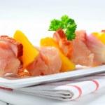 Raw chicken shish kebab — Stock Photo #13658477