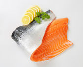 Raw salmon fillet — Stock Photo