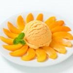Meruňková zmrzlina — Stock fotografie