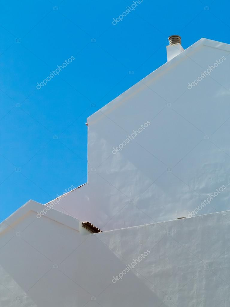 Side view  of a whitewashed house in Tenerife — Stock Photo #18522479