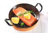 Fresh salmon fillet — Photo