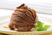 Chocolate vanilla ice cream — Stock Photo