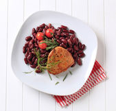 Marinated pork chop with red beans — Stock Photo