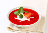 Cold strawberry soup — Stock Photo