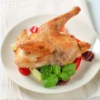Roast chicken with vegetable garnish — Foto Stock