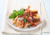 Pan fried fish fillets with fries — Stock Photo
