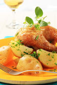 Roasted chicken and potatoes — Stock Photo