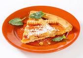 Gitter gekrönt aprikosen torte — Stockfoto