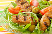 Grilled patty with fresh vegetable salad — Stock Photo