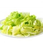 Iceberg lettuce salad — Stock Photo