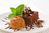 Chocolate Chip Brownie with ice cream — Stockfoto