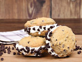 Homemade Ice Cream Chocolate Chip Cookie Sandwices — Stock Photo