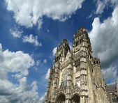 Gothic cathedral of Saint Gatien (built between 1170 and 1547), Tours, France — Stock Photo
