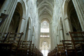 Interior of a Gothic cathedral of Saint Gatien (built between 1170 and 1547), Tours, France — Stock Photo