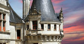 Chateau Azay-le-Rideau (was built from 1515 to 1527), France — Stock Photo