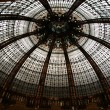 Ceiling of the Lafayette luxury shopping mall in Paris — Stockfoto