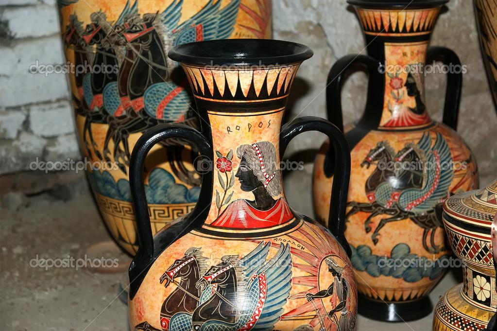 keramik souvenir shop traditionelle griechische vasen stockfoto vladj55 15540857. Black Bedroom Furniture Sets. Home Design Ideas