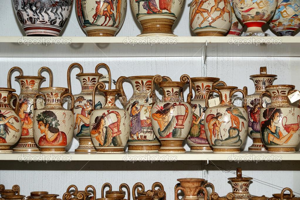 keramik souvenir shop traditionelle griechische vasen stockfoto vladj55 15541375. Black Bedroom Furniture Sets. Home Design Ideas