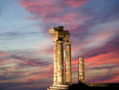 Apollo Temple at the Acropolis of Rhodes at night, Greece — Stock Photo