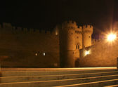 Rhodes Medieval Knights Castle (Palace) at night, Greece — Stock Photo
