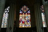 Blyinfattade fönster. gotiska katedralen saint gatien — Stockfoto