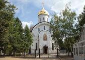 Iglesia ortodoxa rusa de san evfrosinia, nahimovsky avenue, moscú, rusia — Foto de Stock