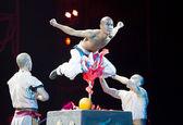 Действия драмы «Легенда о кунг-фу», наиболее интересных кунгфу шоу в мире, «красный театр», Пекин, Китай — Стоковое фото