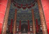 Templo del cielo (altar del cielo)--dentro de la sala de oración por china buenas cosechas, beijing — Foto de Stock