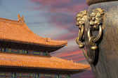 Large bronze bowl to extinguish fire with image Chinese dragon statue in the Forbidden City. Beijing, China — Stock Photo