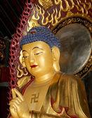Buddhist Temple. Golden statue of Buddha-- southern Xian (Sian, Xi'an), Shaanxi province, China — Stock Photo