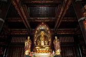 Templo budista. estatua dorada de buda--sur xian (sian, xian), provincia de shaanxi, china — Foto de Stock