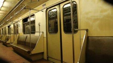 в поезд метро, московский метрополитен (метро), россия — Стоковое видео