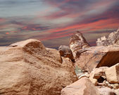Mountains of Wadi Rum Desert also known as The Valley of the Moon is a valley cut into the sandstone and granite rock in southern Jordan 60 km to the east of Aqaba — Stock Photo