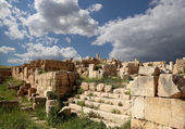 Roman ruins in the Jordanian city of Jerash (Gerasa of Antiquity), capital and largest city of Jerash Governorate, Jordan — Foto de Stock