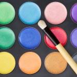 barevný make-up paleta s profesionální make-up štětce — Stock fotografie