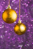 Gyllene julgranskulor — Stockfoto