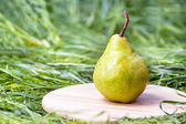Juicy flavorful pear — Stock Photo
