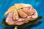 Sándwich de jamón y fig — Foto de Stock