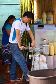 Cutting Sugar Cane in Banos, Ecuador — Stockfoto