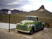 Vintage Green Chevrolet Truck — Stock Photo