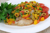 Pieces of fish steamed vegetables under — Foto de Stock