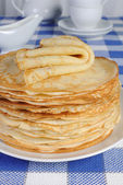 Stack of pancakes on the table — 图库照片
