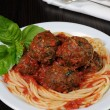 Meatballs in tomato sauce with spaghetti — Stock Photo