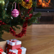Christmas tree and  gift — Stock fotografie