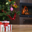 Christmas tree and  gift — Stockfoto