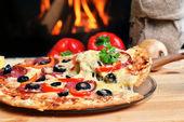Pizza saborosa — Foto Stock