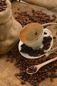 Grains de café et de coupe — Photo